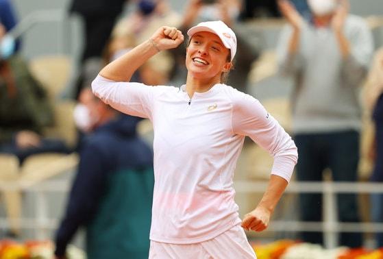 Începutul unei poveşti de succes: Iga Swiatek a câştigat primul ei titlu de Grand Slam