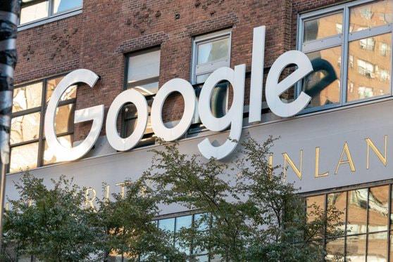 Departamentul Justiţiei din SUA acţionează în judecată Google, acuzând compania de monopol pe piaţă