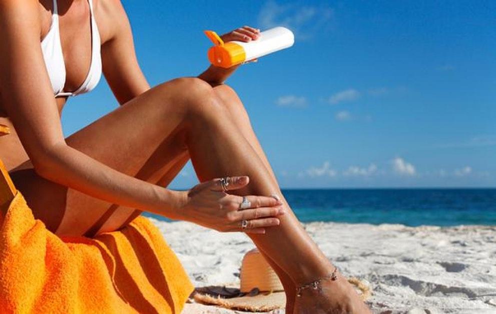 Expunerea la soare fără cremă de protecţie îţi poate păta, iremediabil, pielea