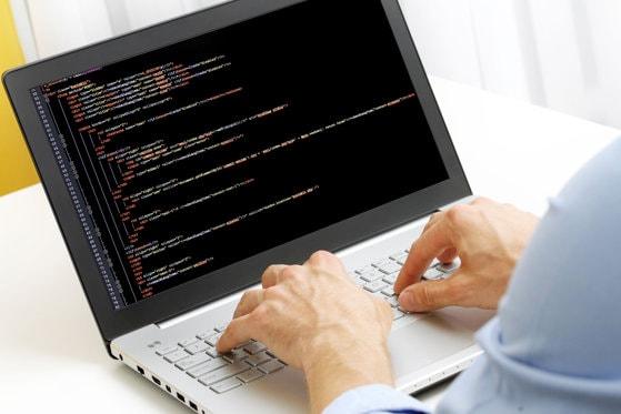 Lege promulgată: Violenţa cibernetică va fi incriminată