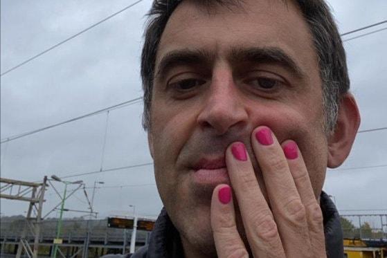Ronnie O`Sullivan va juca la English Open cu unghiile vopsite roz, în semn de solidaritate cu femeile bolnave de cancer la sân