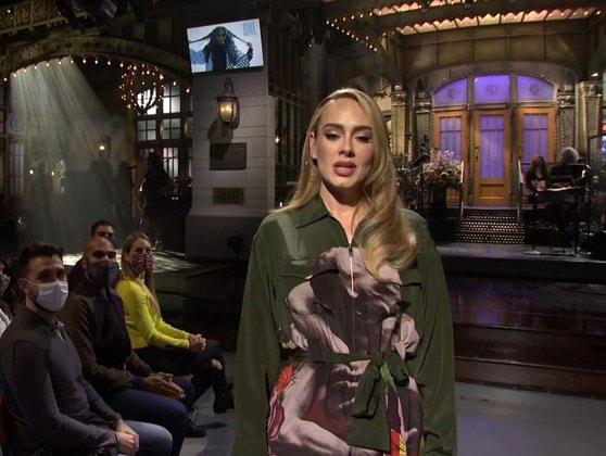 Cântăreaţa Adele a revenit în lumina reflectoarelor, la emisiunea Saturday Night Live