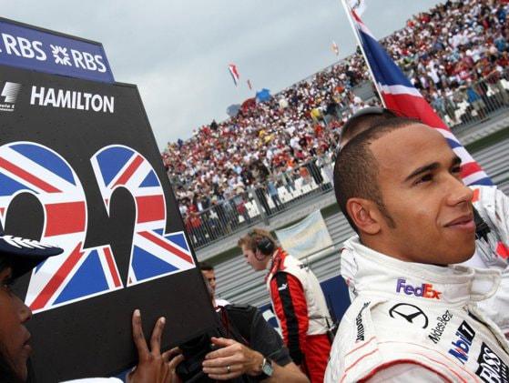 Lewis Hamilton a făcut istorie în cursa de Formula 1