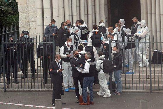 Atacul de la Nisa. Autorul este un tunisian care a ajuns în Hexagon la începutul lunii octombrie. / Franţa, mesaj de pace pentru musulmani