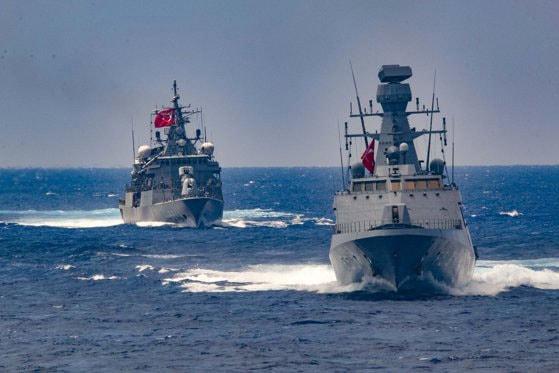 Coliziune între o navă militară şi un vas comercial, în Grecia