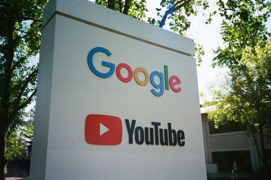 Proces de 3 miliarde pentru Google. Un britanic a dat în judecată platforma pentru că încalcă legea GDPR