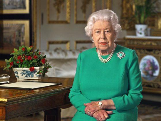 Regina Elisabeta a Marii Britanii e posibil să cedeze puterea la 95 de ani