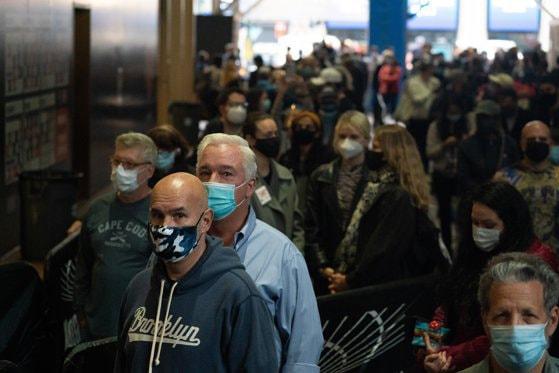 Americanii se tem de eventuale revolte în urma alegerilor. În Michigan au crescut vânzările pentru arme