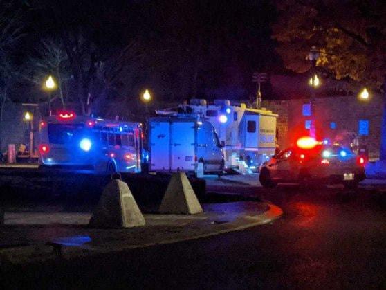 Atac cu o armă cu lamă în oraşul canadian Quebec. Radio-Canada: 2 morţi şi cel puţin 5 persoane rănite
