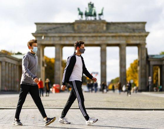 Costul celei de-a doua carantine din Germania: suma de 10 miliarde de euro promisă business-urilor afectate nu va fi suficientă. Avertismentul economiştilor