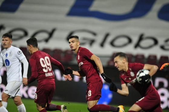 Dan Petrescu rămâne cu un singur fundaş central pentru meciul cu Roma