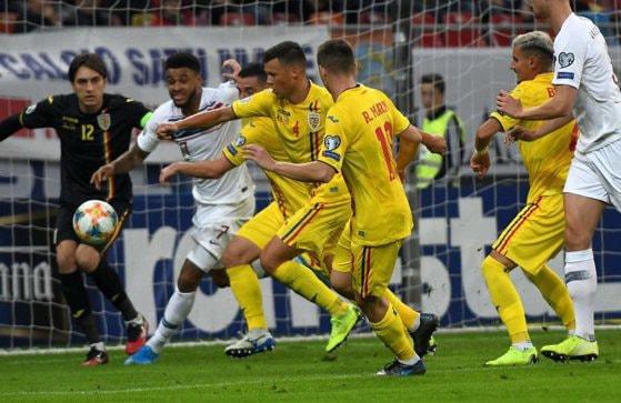 Echipa de fotbal a României, de 40 de ori mai ieftină decât cea a Angliei