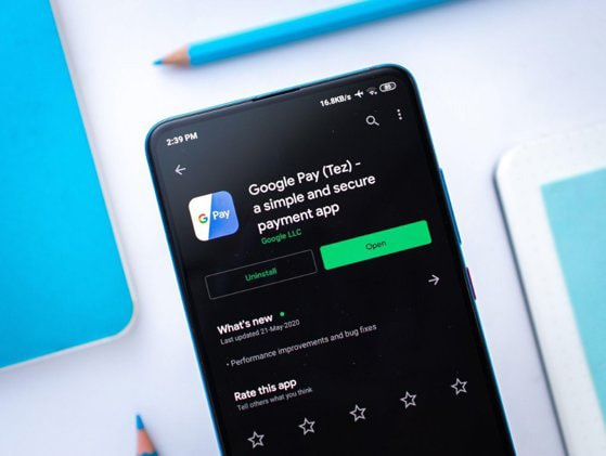 Google Pay a devenit disponibil şi în România începând de azi