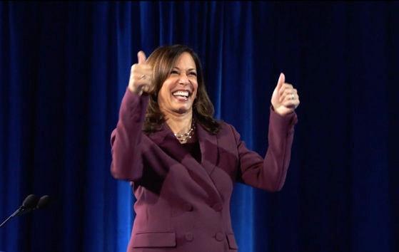 Indienii sunt mari susţinători Kamala Harris. Numele noului vicepreşedinte al Americii are o semnificaţie aparte în sanscrită