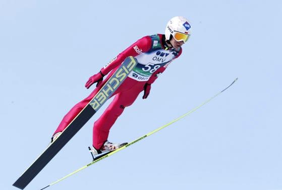 Kamil Stoch, premiere cu întârziere la Cupa Mondială de sărituri cu skiurile