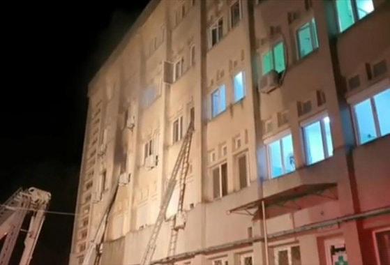 Medicul rănit grav în incendiul de la ATI Piatra Neamţ va fi transferat la Bucureşti cu un avion militar