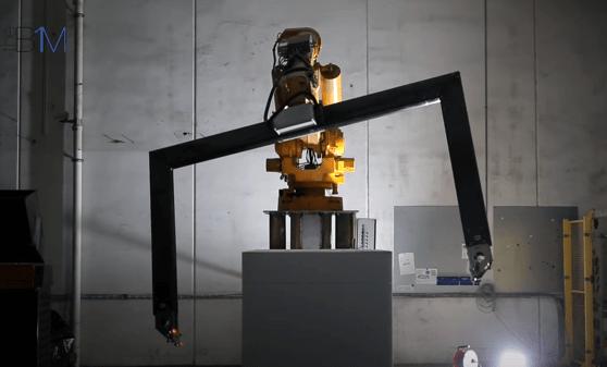 Roboţii se apucă de construit, iar rezultatele sunt spectaculoase