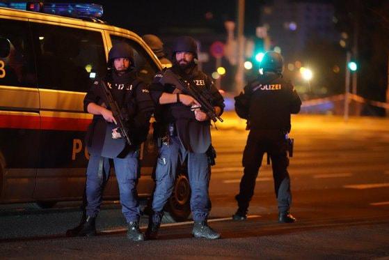 România are nivelul de alertă teroristă Albastru. Ce să faci în cazul unui atentat