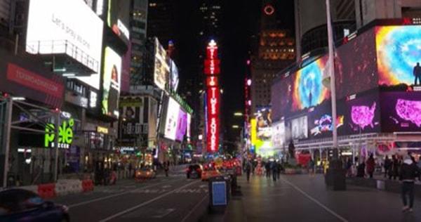 Tradiţia Globului din Times Square se respectă şi anul acesta. Pregătirile pentru spectacolul de Revelion sunt în toi