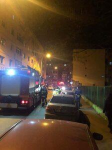 Acoperişul unui bloc din Sibiu a căzut peste autoturismele parcate | FOTO : mediafax.ro