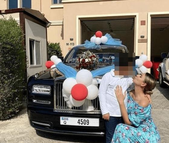 Cadou inedit, pentru un copil de 12 ani. Băiatul a primit un Rolls Royce de 250.000 lire sterline de la mama sa