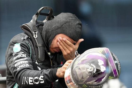 Lewis Hamilton resimte efectele Covid-19. Care este starea pilotului înainte de Marele Premiu de F1 de la Abu Dhabi