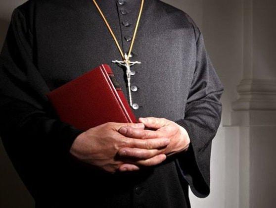 Prefectura Bucureşti: Reguli stricte pentru slujbele de Crăciun, Anul Nou şi prăznuirea Sfântului Ioan Botezătorul. Preoţii nu vor intra în casele enoriaşilor