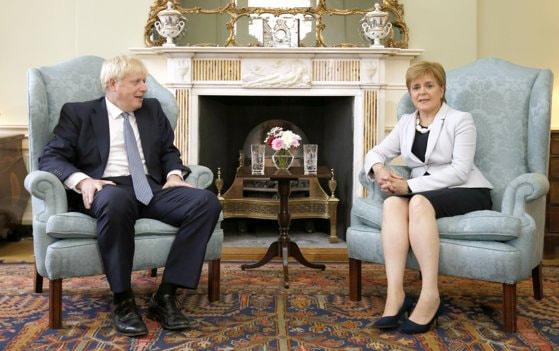 Premierul Scoţiei îi cere lui Boris Johnson să accepte prelungirea tranziţiei post-Brexit