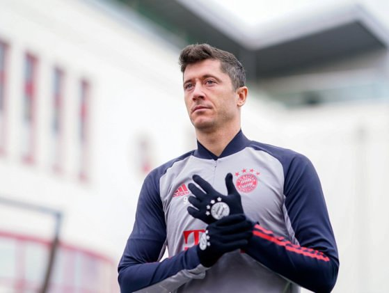 Robert Lewandowski a trecut de borna de 250 de goluri în Bundesliga