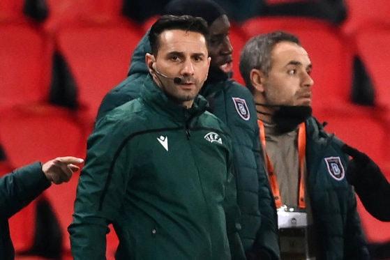 Scandal la meciul PSG-Basaksehir Istanbul. Arbitrul Sebastian Colţescu acuzat de rasim. Echipele au ieşit de pe teren