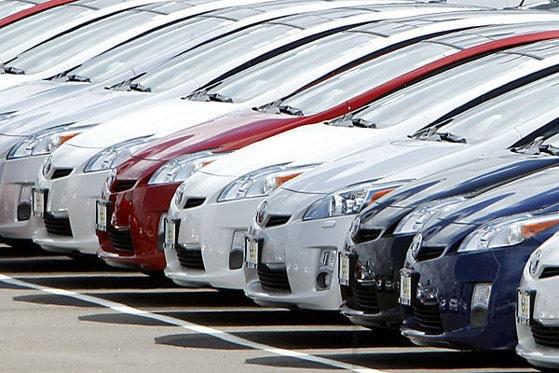 Trei luni consecutive în care se înregistrează creşteri ale înmatriculărilor de autovehicule