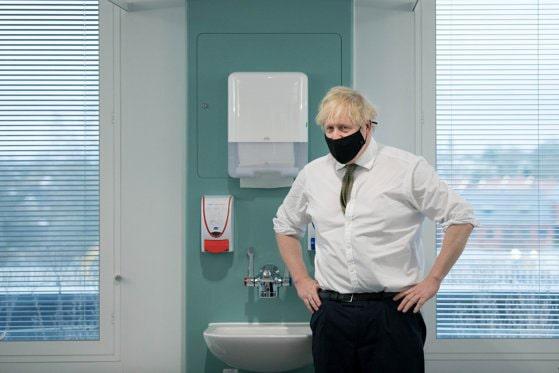 """Boris Johnson anunţă """"închidere totală"""" în Anglia care va dura până la jumătatea lunii februarie"""