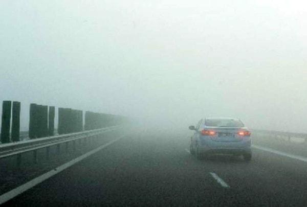 Ceaţă deasă pe A3 Bucureşti – Ploieşti. Şoferii sunt sfătuiţi să conducă preventiv