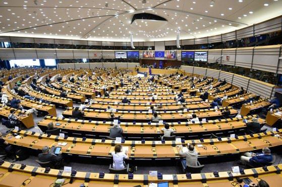 CEO Pfizer, Moderna şi AstraZeneca, companii care livrează vaccinuri, chemaţi să dea explicaţii în Parlamentul European