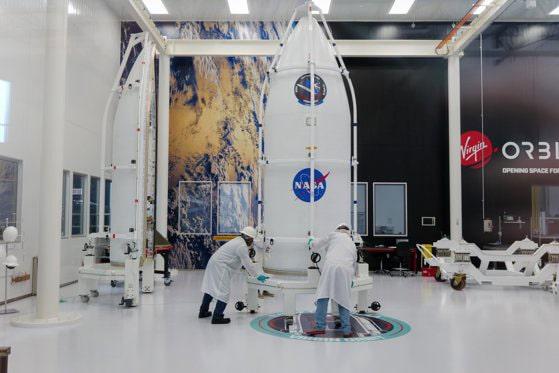 Compania lui Richard Branson a lansat cu succes racheta cu sateliţii care a ajuns pe orbită