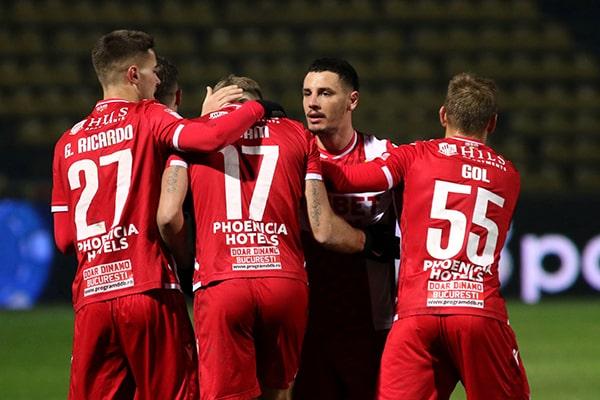 Dinamo s-a reunit la Săftica şi se pregăteşte de reluarea campionatului