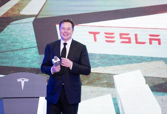Elon Musk este mai aproape să-şi atingă obiectivul. Acţiunile Tesla au crescut de opt ori în 2020