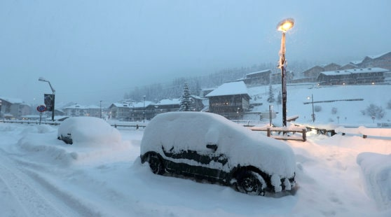 METEO, 4 ianuarie. Vremea în România: Cod portocaliu de viscol puternic şi ninsori abundente în Carpaţii Meridionali