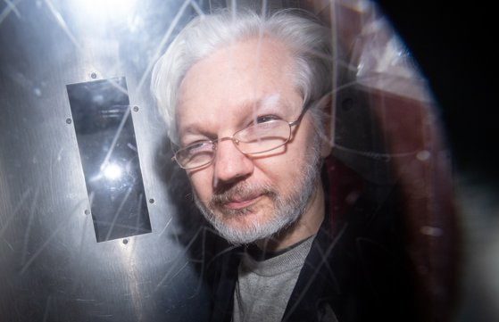 Statele Unite menţin solicitarea de extrădare a lui Julian Assange