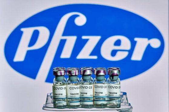 Suedia suspendă plăţile către Pfizer pentru vaccinul anti-COVID-19