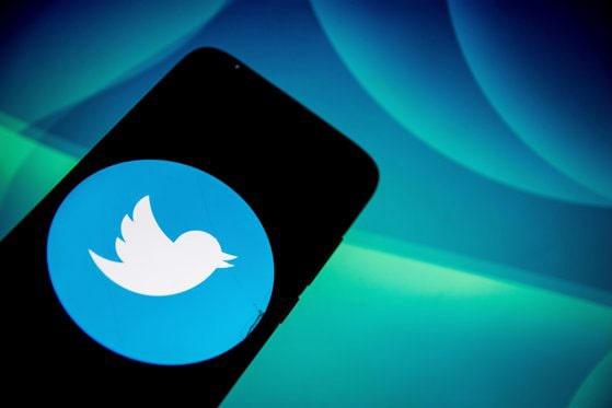 """""""Birdwatch"""", programul pilot prin care Twitter permite utilizatorilor să semnaleze dezinformarea"""