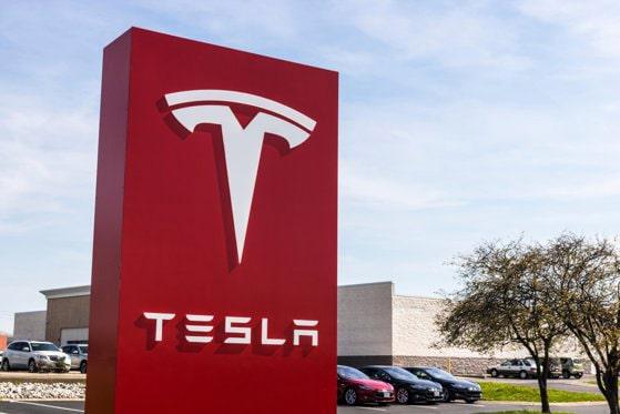 Compania Tesla a deschis primul birou în Bucureşti