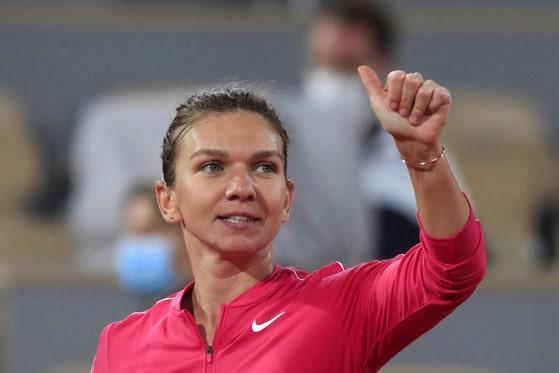 Simona Halep a revenit în arenele de tenis cu o victorie la numărul 1 mondial, Ashleigh Barty