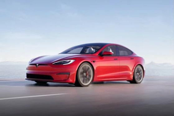 Tesla te invită la joacă: Noile modele Tesla X şi S au primit un upgrade important
