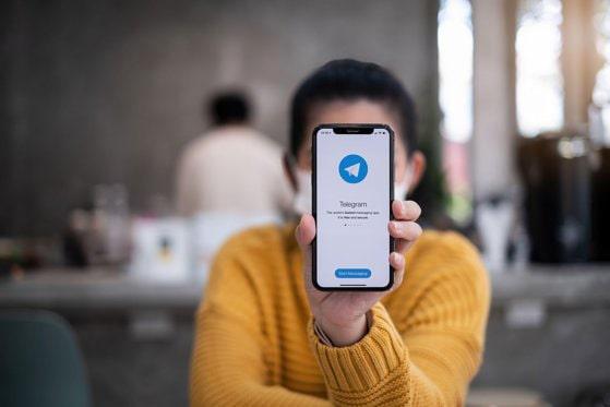 Aplicaţia Telegram trece la nivelul următor. Noua funcţie o diferenţiază radical de WhatsApp