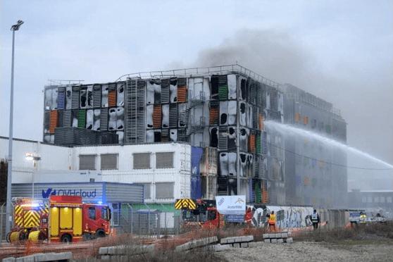 Incendiu masiv în Franţa, la Strasbourg. Zeci de mii de servere au ars, lăsând pe întuneric milioane de site-uri, inclusiv din România