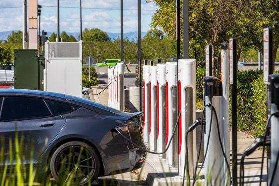 Maşinile electrice vor merge mai mult. Un sistem nou, prezentat în premieră