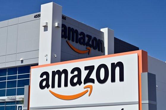 Companiile Amazon şi Google, investigate în Marea Britanie pentru recenzii înşelătoare