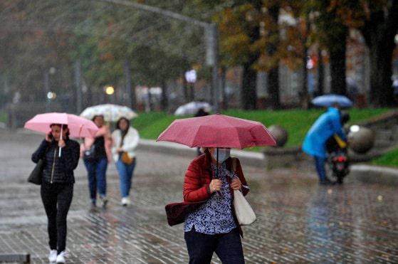 METEO. ANM a emis o nouă informare de instabilitate atmosferică, ploi şi vijelii în Sudul, Centrul şi Estul ţării