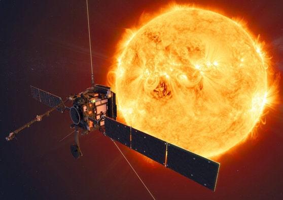 """Oamenii de ştiinţă cred că Soarele ar mai putea """"trăi"""" 7 miliarde de ani. Ce s-ar întâmpla dacă acesta ar exploda?"""
